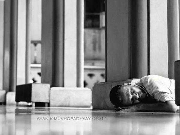 Homem Dormindo por Ayan K. Mukhopadhyay