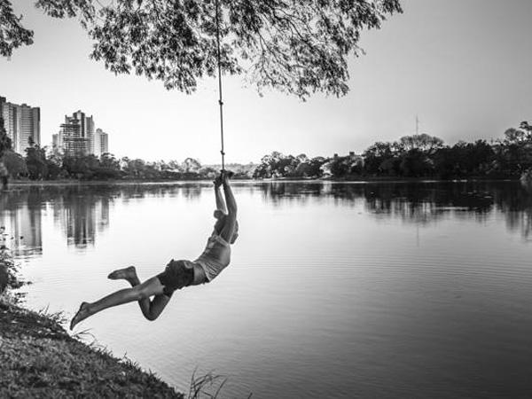 Voando sobre o lago por João Baptista Bortolotti