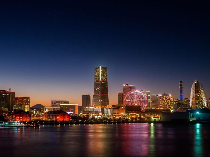 Vista Noturna de Yokohama por Hélio Okuda