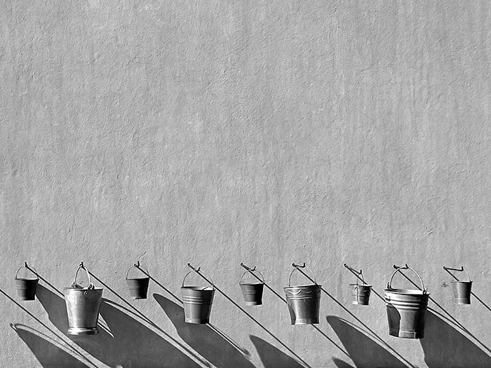Church buckets por Norman Neumaier